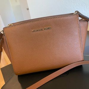 Michael Kors Small Selma Leather Crossbody Bag